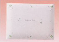 CLOTHES・PIN社もんシリーズクローバー柄のメッセージブック(メッセージカード50枚綴り)です。