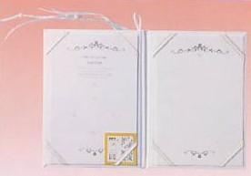 CLOTHES・PIN社もんシリーズクローバー柄の結婚証明書を開いた状態