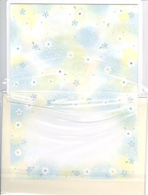 フレーム部分に花柄が描かれたフォトフレームカード(中面)